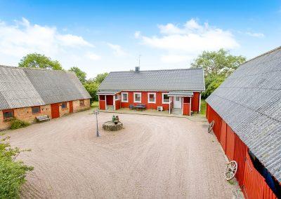 Avstyckad kringbyggd gård – Ausås – mellan Ängelholm och Åstorp – Såld!